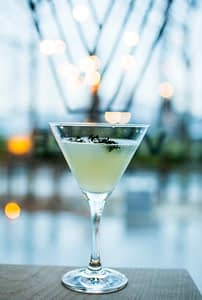 Cocktail på Vesper Bar I Bjørvika